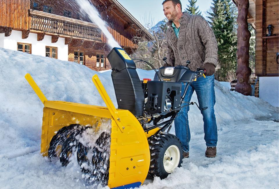 Бензиновые снегоуборочные машины для дачи: рейтинг лучших самоходных моделей. какую выбрать?
