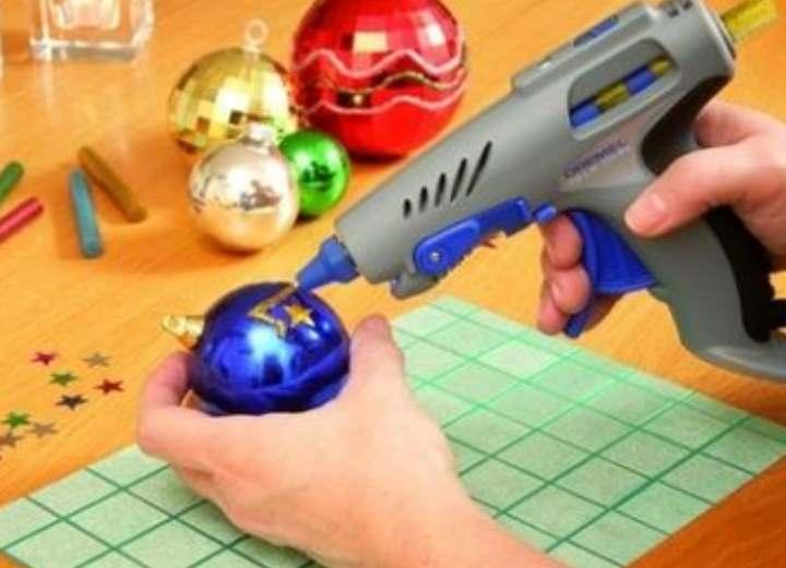 Термопистолет клеевой: как выбрать пистолет для рукоделия и бытовых нужд, какие стержни лучше, что делать если сломался