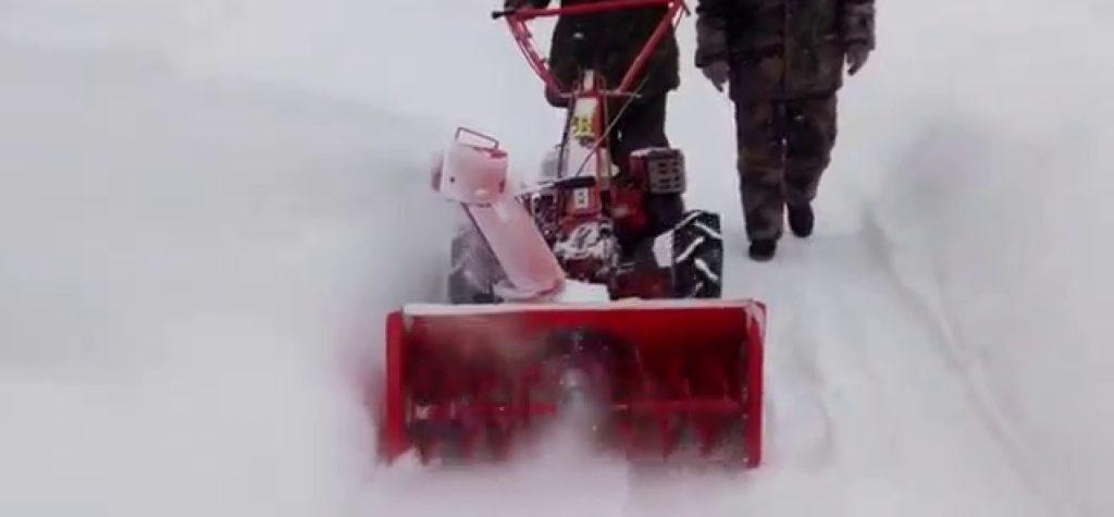 Снегоуборщик для мотоблока: уборка снега, снегоуборочная приставка, насадка, навесной, шнековый, роторный