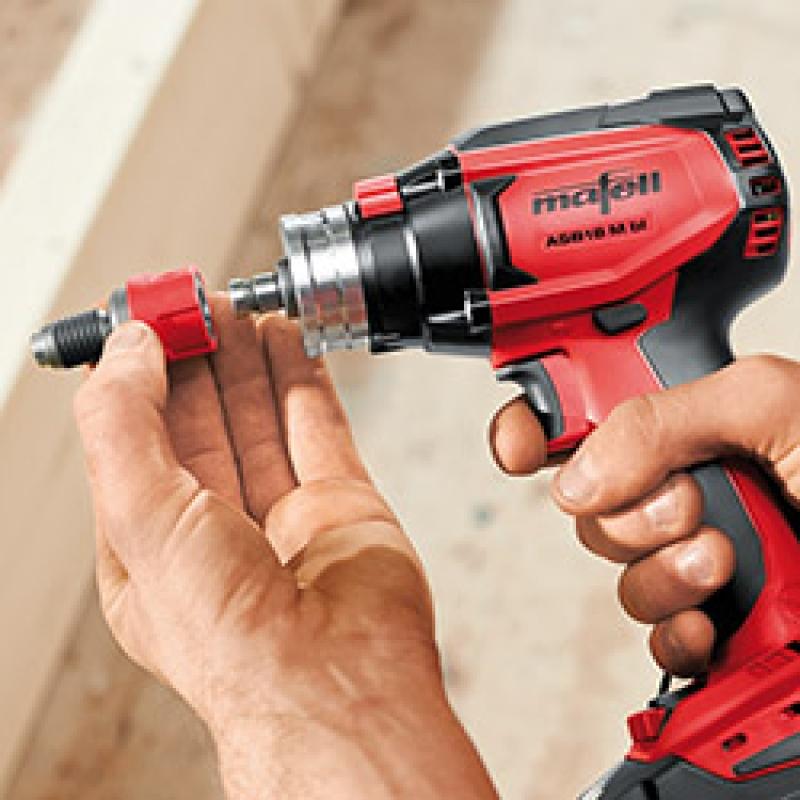 Топ-10 шуруповертов: выбираем инструмент для дома, дачи и работы