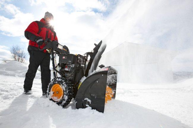 Рейтинг лучших бензиновых снегоуборочных машин для дачи: производители, какую выбрать, рейтинг топ-7