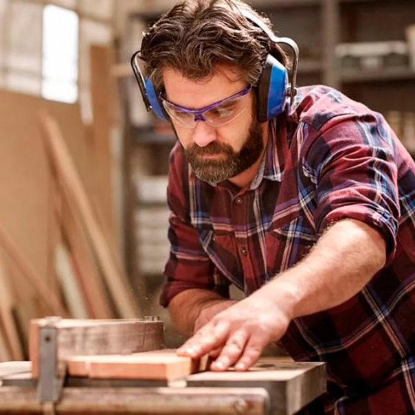 Чем отличается плотник от столяра - книгиру.рф