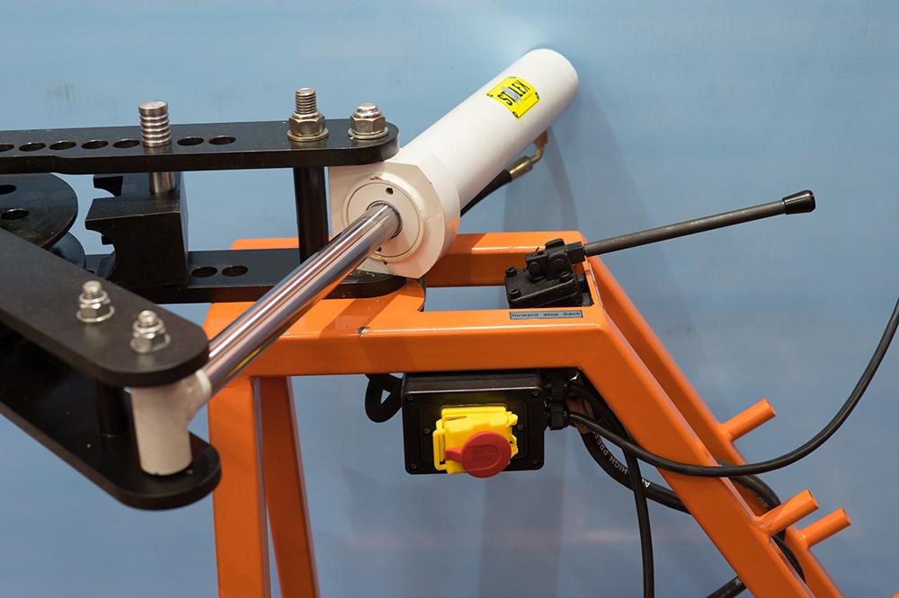 Трубогиб: 125 фото применения и варианты работы устройства