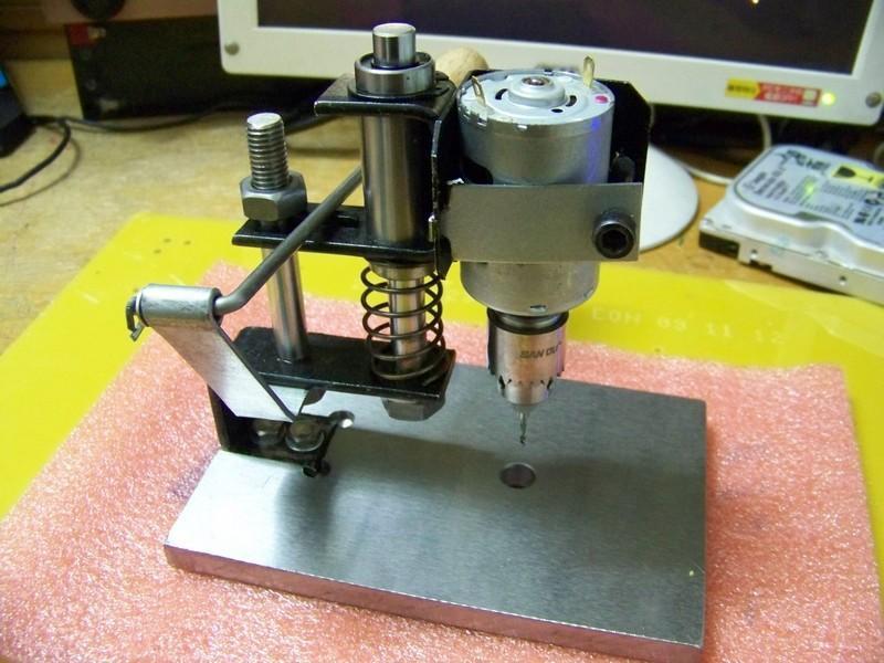 Регулятор оборотов для сверлилки печатных плат. сверлилка для печатных плат. устройство сверлильного станка с двигателем от бытовой техники