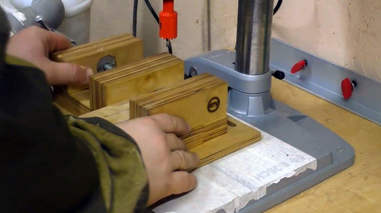 Кондукторы для сверления отверстий под шкант и конфирмат