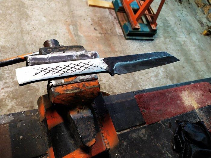 Как в домашних условиях правильно закалить стальной нож, сделанный из пилы или рессоры