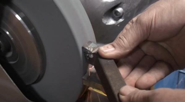 Заточка резцов для токарного станка по металлу: способы, советы | мк-союз.рф