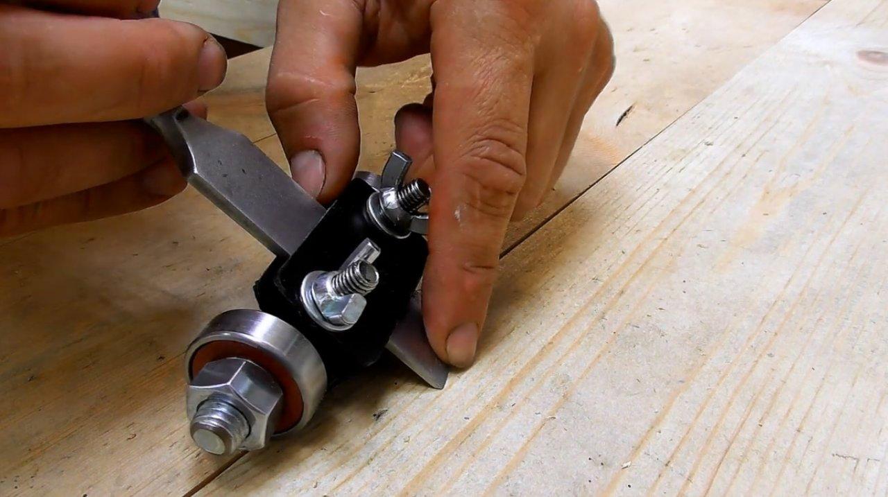 Заточка стамесок для резьбы по дереву: самодельное приспособление и правила точения столярного инструмента