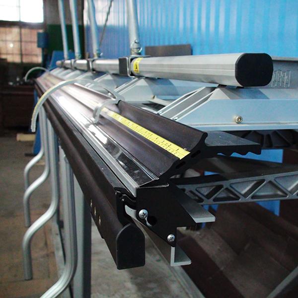 Гибка металла - основные способы и используемое оборудование