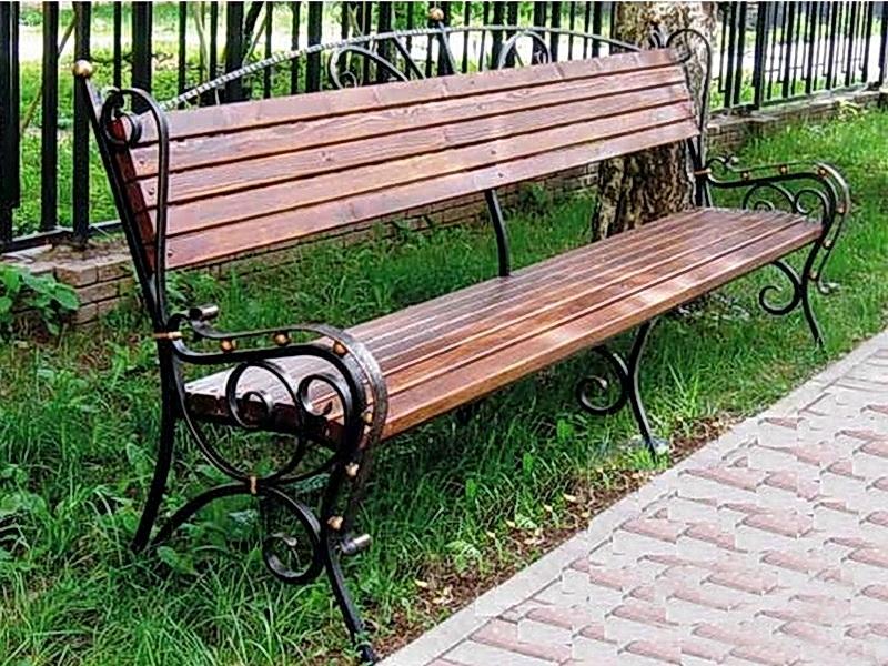 Виды кованых скамеек и способы их расположения