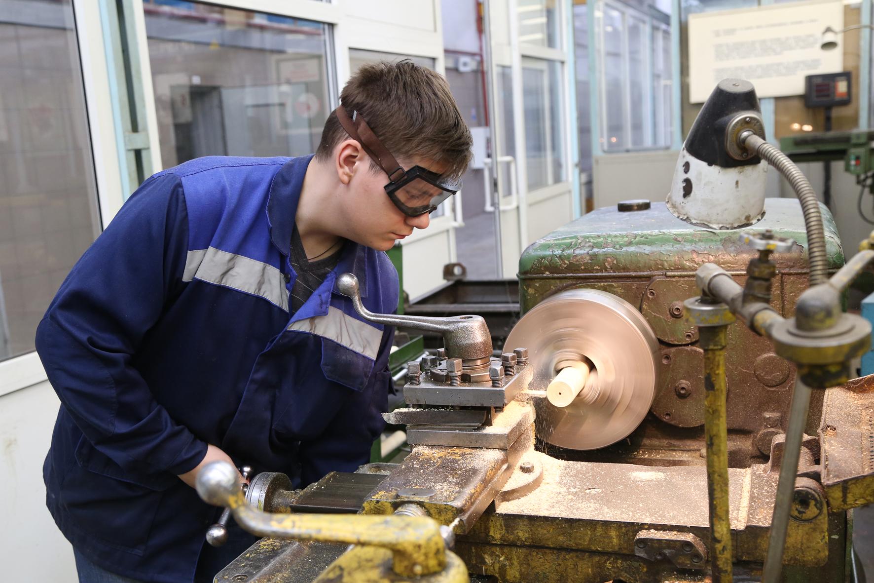 Бизнес на аренде строительного инструмента с нуля: пошаговый план открытия