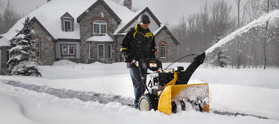 Грамотная эксплуатация электрических и бензиновых снегоуборщиков: как правильно их использовать в различных условиях