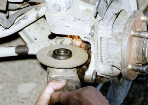 Как открутить гайку или болт с сорванными гранями? самые рабочие способы!   autoposobie.ru