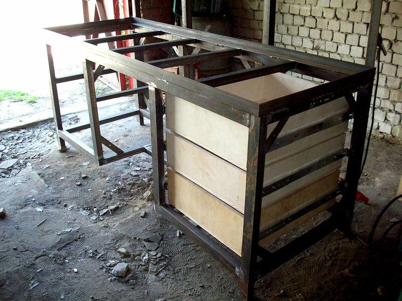 Слесарный верстак в гараж своими руками: необходимый инструмент, оборудование, материалы