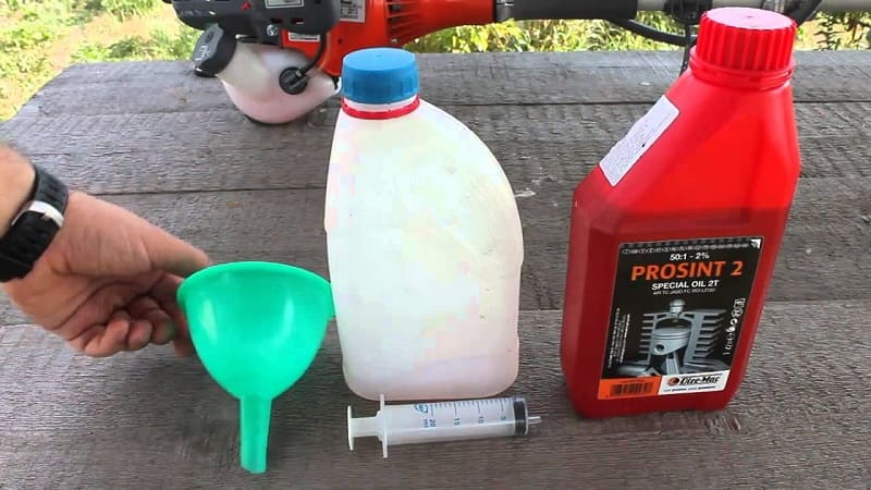 Как разбавлять бензин с маслом в бензопиле