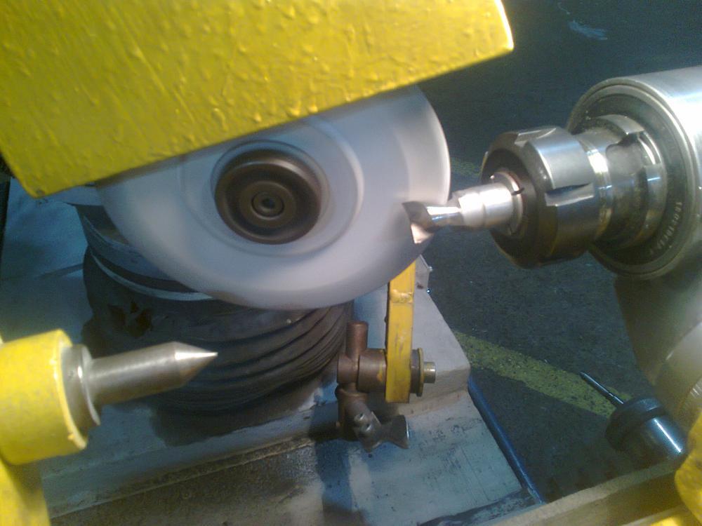 Заточка фрез по металлу и дереву: как правильно заточить концевой, торцевой и конический инструмент