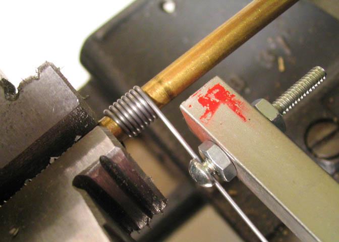 Какими свойствами должна обладать сталь для изготовления пружины. технологический процесс изготовления пружин.