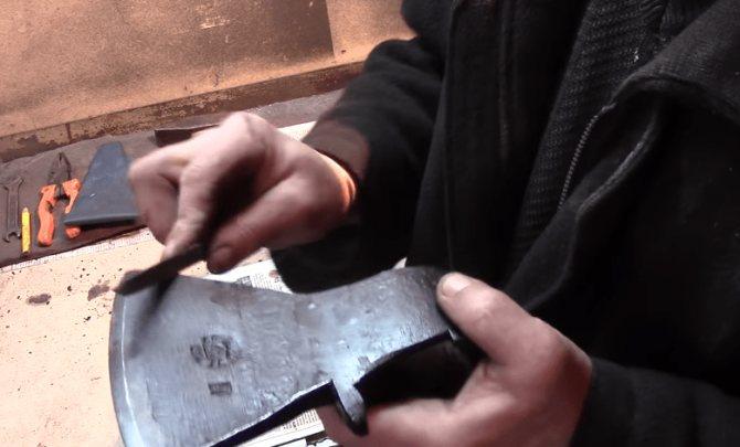 Как закалить металл в домашних условиях: на огне, в масле или печи
