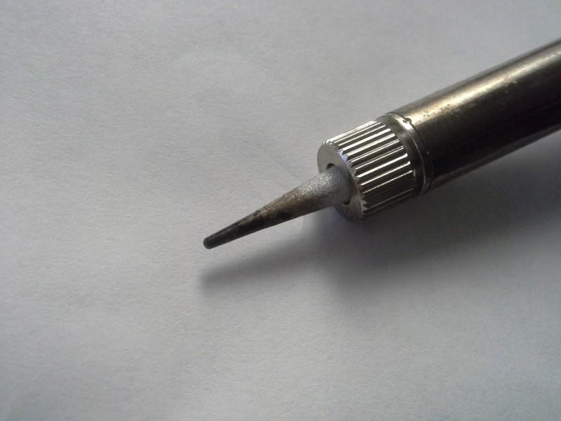 Как лудить провода перед пайкой: порядок действий при лужении паяльником и окунание в припой