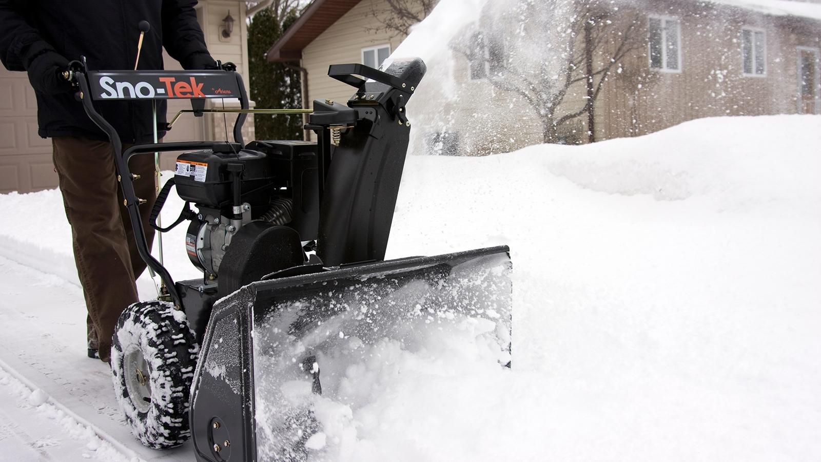 Электрический снегоуборщик для дома: рейтинг лучших моделей по отзывам владельцев
