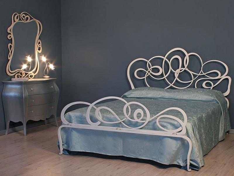 Кованые кровати - 120 фото модных новинок современного дизайна
