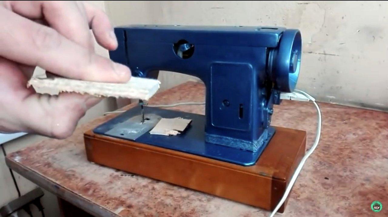 Лобзик из швейной машинки, или используй все, что под рукой и не ищи другого