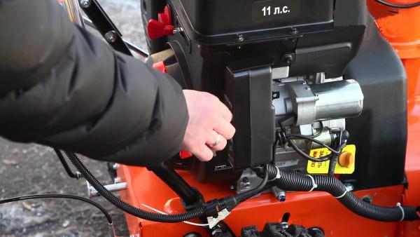 Масло для двигателя и редуктора снегоуборщика – правила выбора и порядок замены своими руками