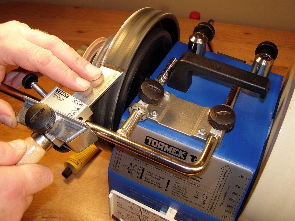 Особенности и техника заточки резцов для токарного станка по металлу