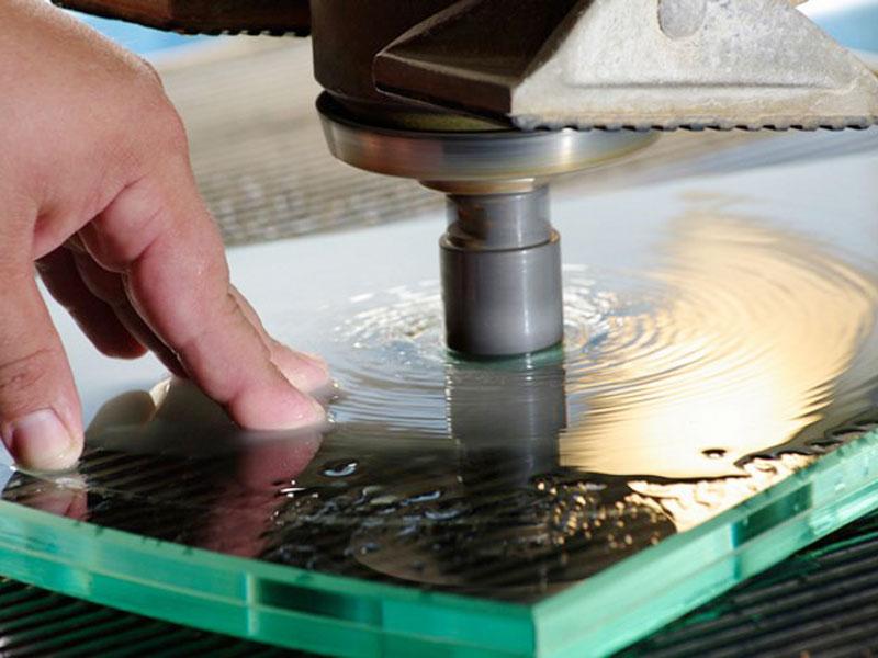 Как правильно резать закаленное стекло своими руками?