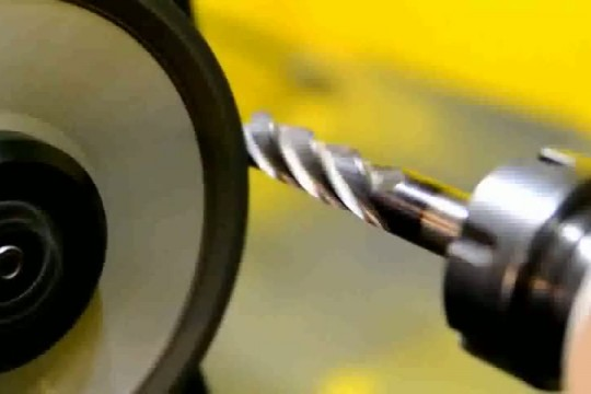 Заточка фрез по металлу: концевых, червячных