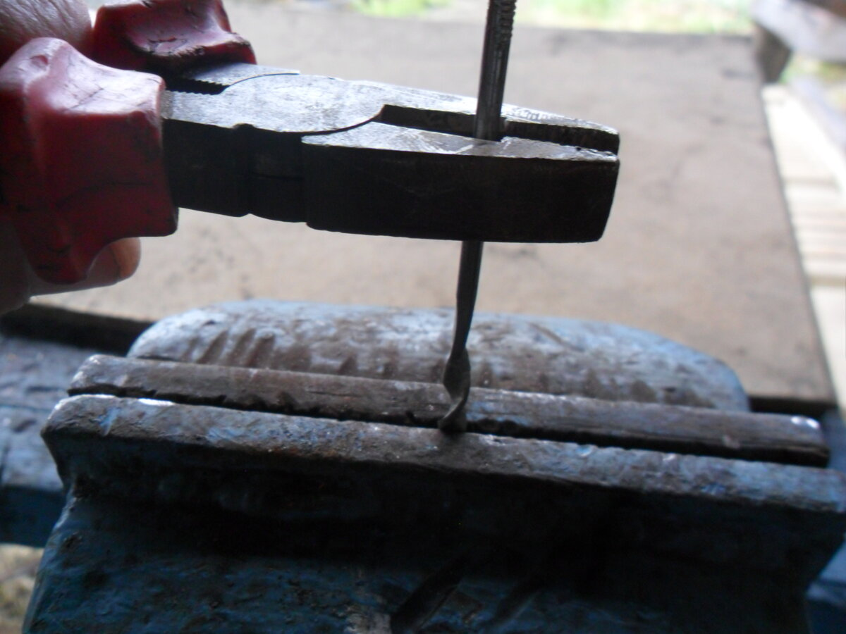 Как просверлить каленый металл в домашних условиях. как сделать отверстие в закаленной стали без сверления. работа с некоторыми видами металла