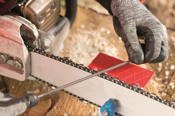 Как правильно заточить цепь бензопилы напильником