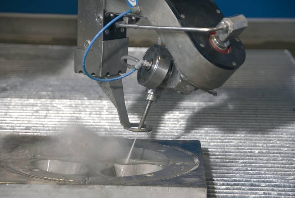 Резка металла водой под давлением видео - морской флот