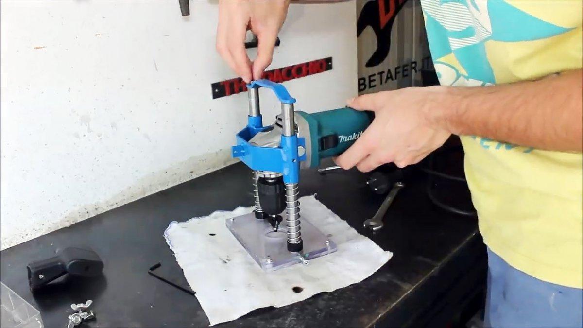 Как сделать отрезной станок из болгарки своими руками в том числе в гараже с чертежами и видео