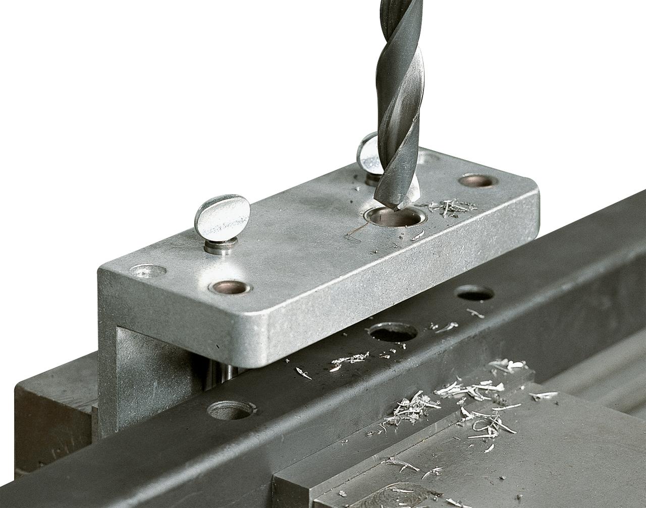 Кондукторы для сверления отверстий под шканты