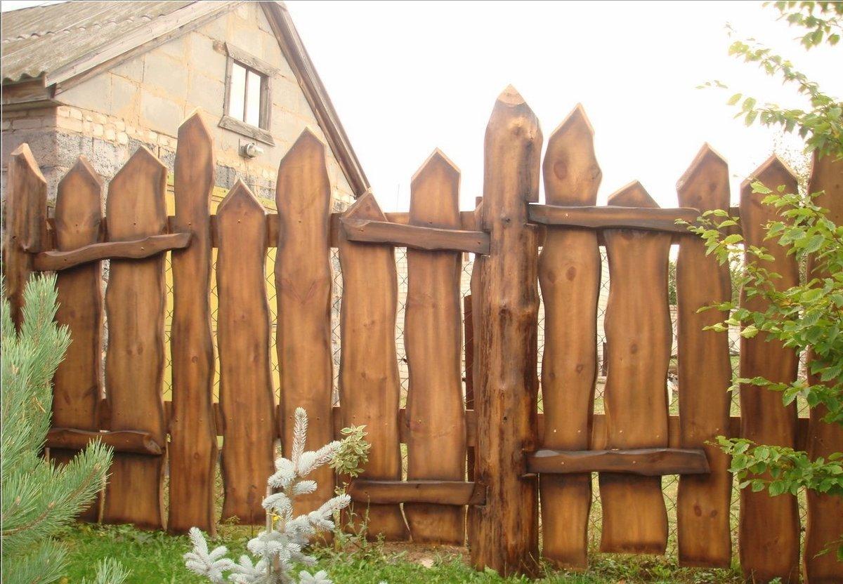 Забор из горбыля: особенности, технология, установка, декор