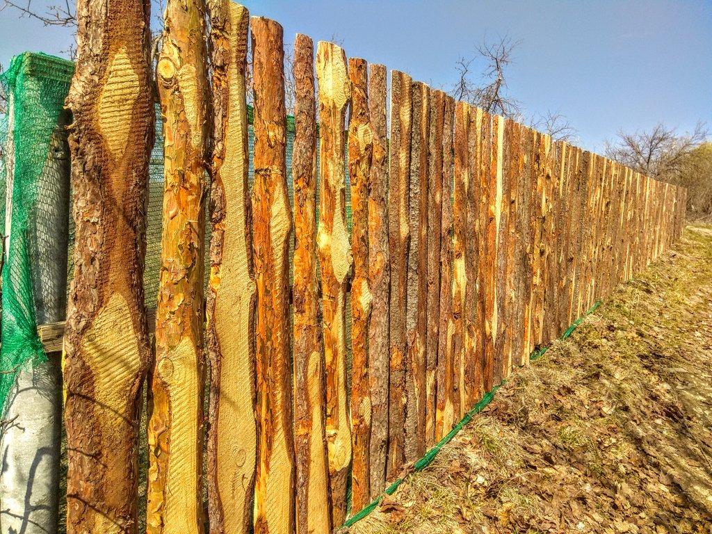 Как сделать забор из горбыля своими руками: как построить, сколько стоит, варианты ограждения