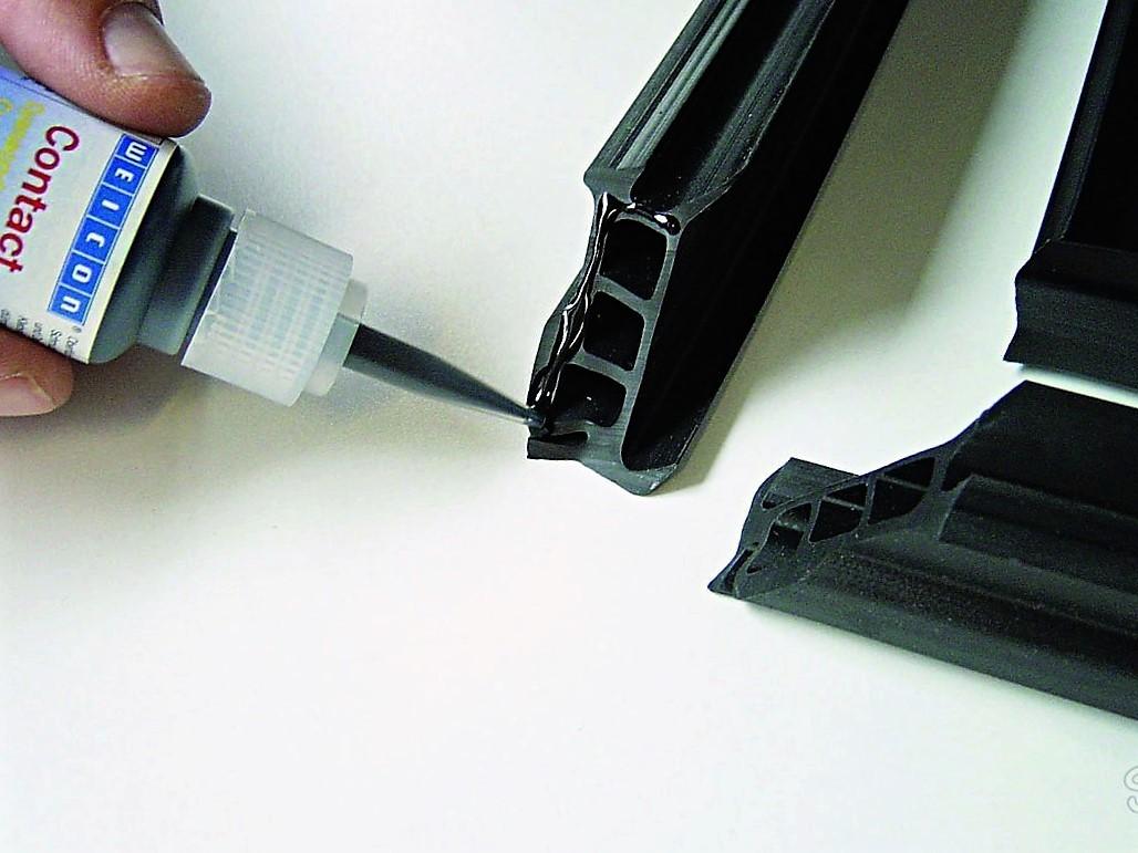 Как склеить пластмассу намертво в домашних условиях
