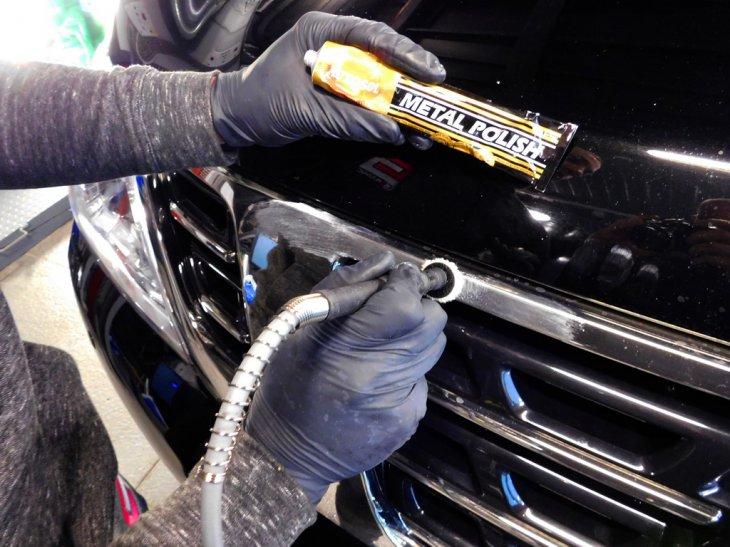 Чем очистить хромированные детали автомобиля: лучшие средства для очистки после зимы