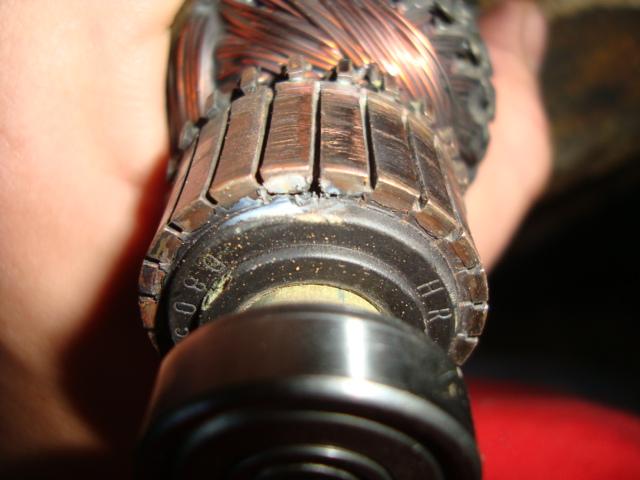 Щетки стиральной машины (27 фото): замена угольных щеток в электродвигателе. признаки износа. где находятся? почему искрят?