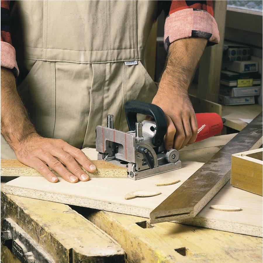 Ручной фрезер: виды, принцип работы и сферы использования