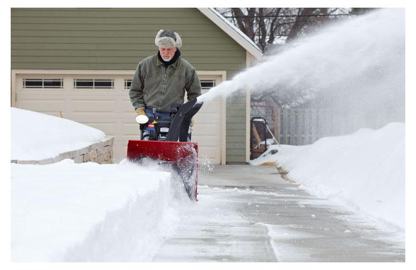Как можно использовать и нужно хранить мотоблок зимой — разъясняем в общих чертах