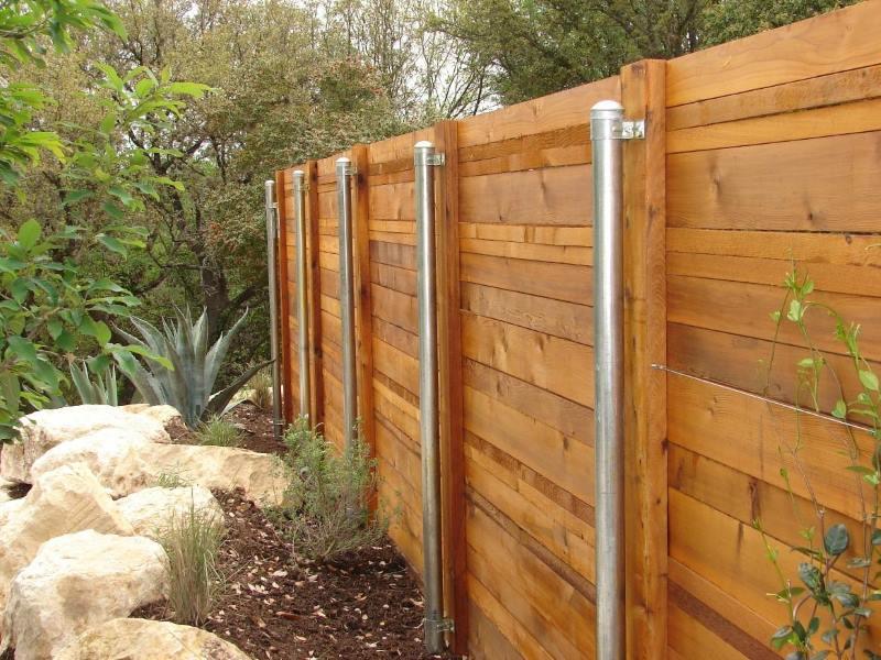 Забор из горбыля - нюансы строительства и стоимость