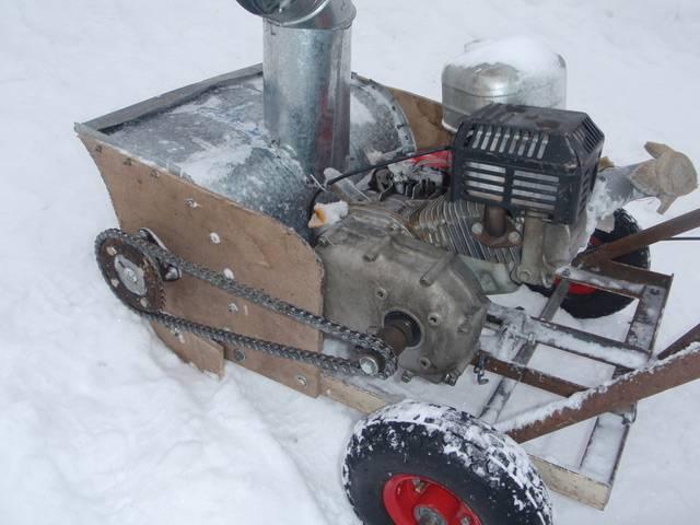 Снегоуборщик своими руками из электрического и бензинового двигателя