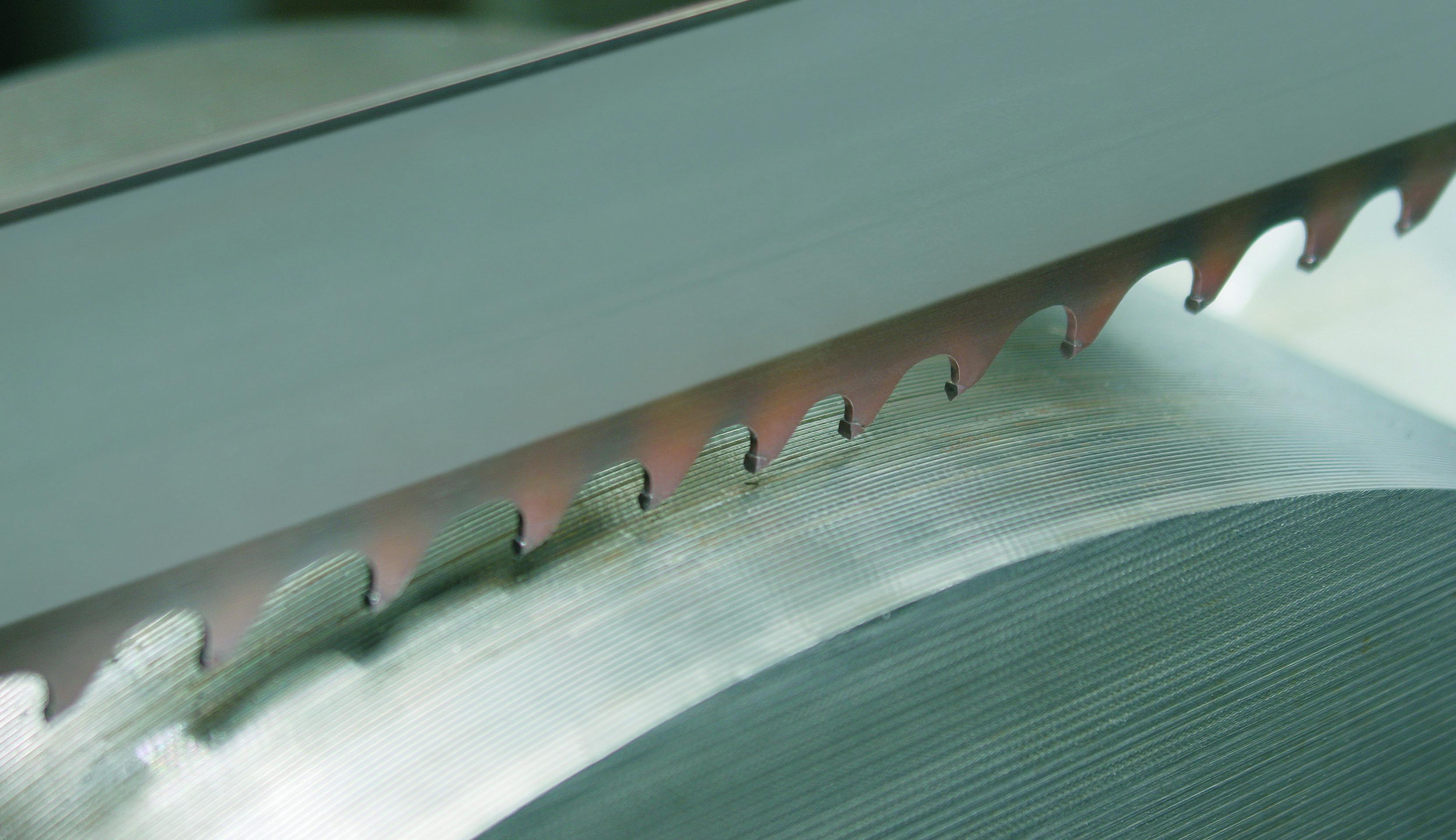 Полотно для ленточной пилы: выбор качественного полотна для пилы по алюминию. как поменять? разновидности и рейтинг лучших производителей