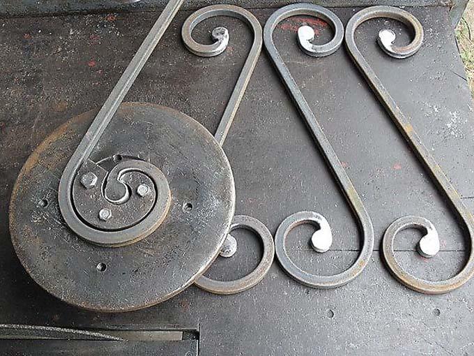 Как изготовить своими руками кованые декоративные элементы?