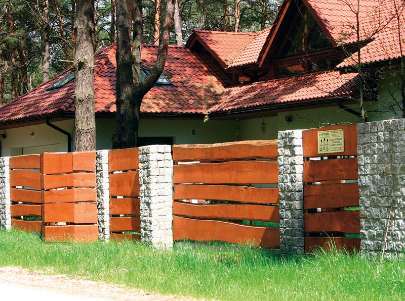 Крыша из горбыля своими руками. забор из горбыля: особенности, технология, установка, декор. инструкция по изготовлению заграждения