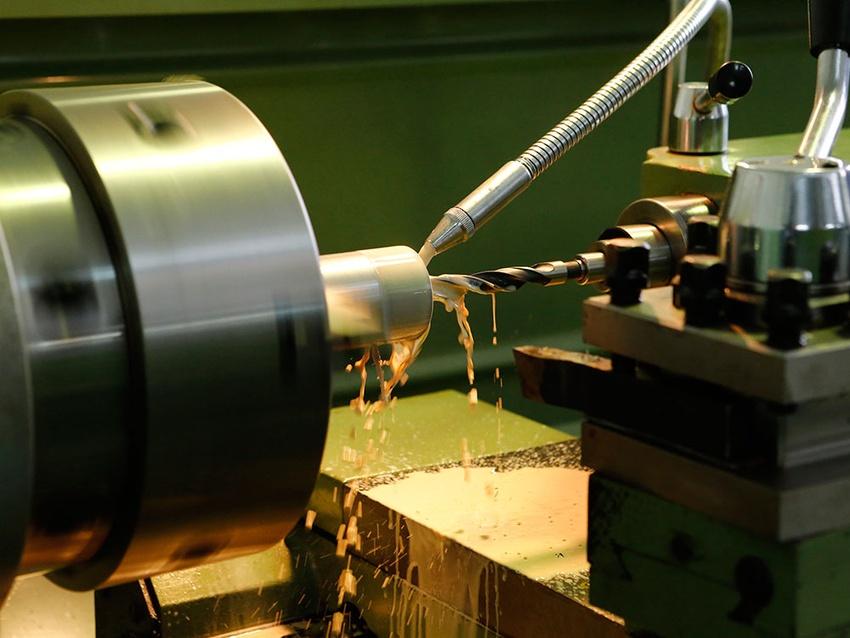 Преимущества, особенности и видео примеры токарных работ по металлу на станке
