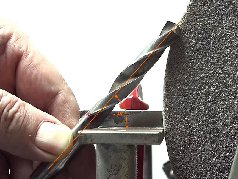 Как правильно точить сверла по металлу в домашних условиях