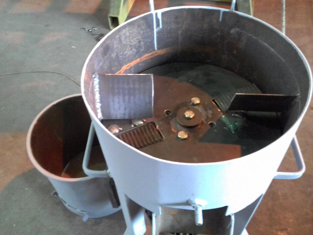 Корморезка своими руками для скота из стиральной машины: схема изготовления электрического измельчителя овощей и корнеплодов своими руками